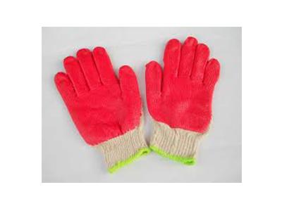 Găng tay phủ sơn màu đỏ